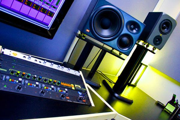 best studio monitors buyer's guide